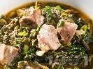 Рецепта Агнешка зелена кавърма със спанак, киселец, пресен зелен лук и гъби печурки